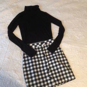 Dresses & Skirts - Bundled outfit!